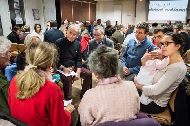 """8 février 2019 : Soirée débat sur le thème """"Prendre part au grand débat national"""" à l'initiative des Semaines sociales de Rueil et l'ensemble pastoral de Rueil-Malmaison. Rueil-Malmaison (92), France."""